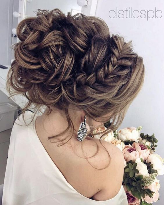 27 Gorgeous Wedding Hairstyles For Long Hair In 2019: LOS MEJORES PEINADOS DE CHONGOS PARA GRADUACIÓN 2017