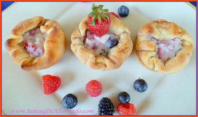 Berry Ricotta Cinnamon Cups | recipe developed by www.BakingInATornado.com | #recipe #dessert