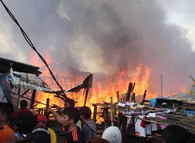 rumah ludes terbakar di Sibolga