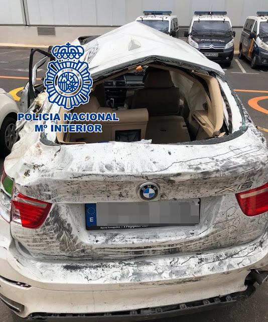 Foto del vehículo,BMW, tirado por un barranco de la persona que no quiso pagar una deuda de póker en la que presuntamente hizo trampas, Adeje, Tenerife