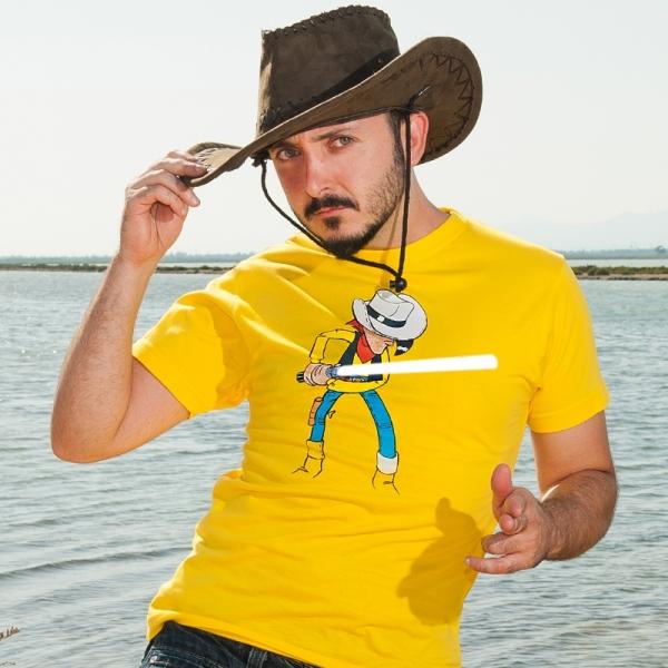 http://www.goatxa.es/camisetas/271-lucky-luke-skywalker-con-sable-luz-fosforescente.html