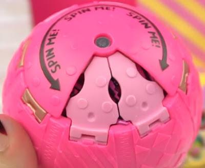 Что делает шарик ЛОЛ Сюрприз 3 сезона коллекция Confetti Pop