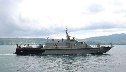 Gambar Kapal Perang KRI Alkura 830 Asli buatan Indonesia