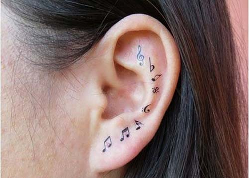 kulak dövmesi müzik notaları ear tattoo musical notes
