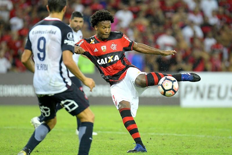 Invencibilidade brasileira corre riscos nesta noite de Libertadores. 07dc36a59c288