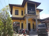 Tingkatkan Pelayanan, Kantor Desa Ungga Mulai Ditata