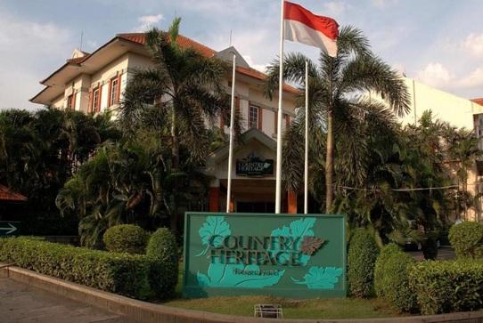 Country Heritage Resort Merupakan Salah Satu Hotel Terbaik Dengan Harga Terjangkau Yang Berada Di Kawasan Sukolilo Surabaya Suasana Cukup Asri