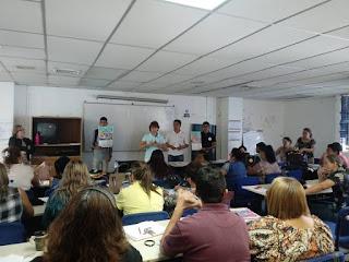 Voluntarios de Nueva Acrópolis difunden bases del Certamen de Literatura en Centros Escolares