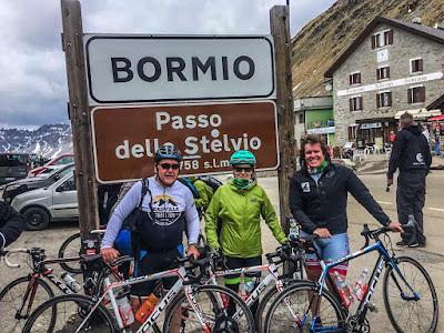 Climb Stelvio pass with Veloce bike rental in Bormio