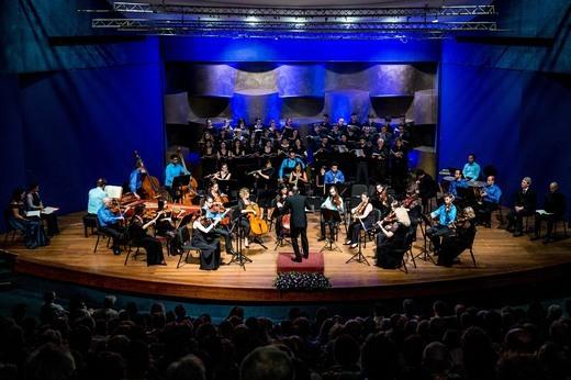 התזמורת הקאמרית הישראלית במחווה למקהלת הצבא האדום