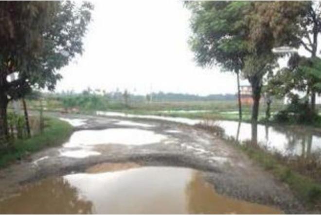 Musim Hujan, Akses Jalan Masuk ke Bandara Arung Palakka Mirip Kubangan Kerbau