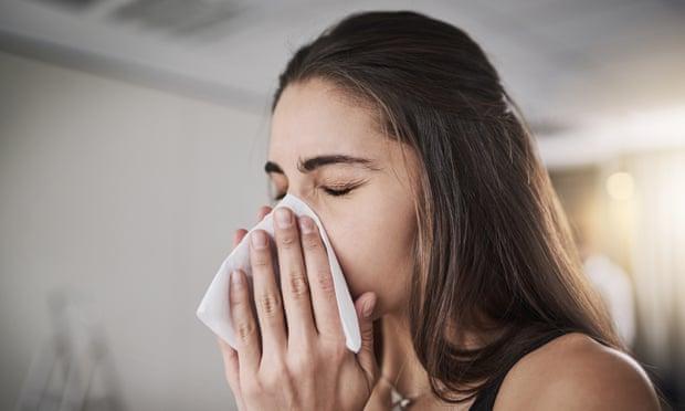 Si vous travaillez dans un environnement pollué, se moucher le nez est un moyen d'éliminer le mucus qui a recueilli les débris et les polluants de l'atmosphère.