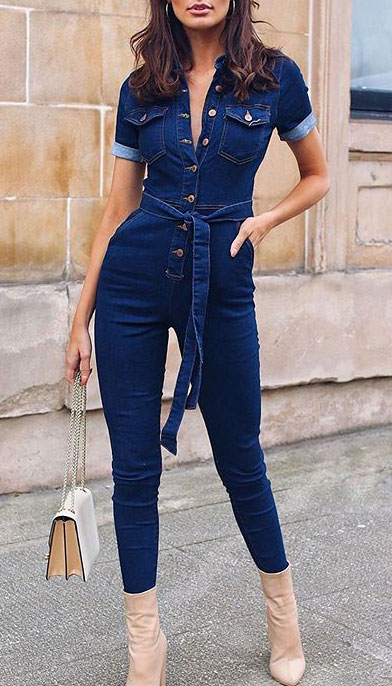 Look your best when you step out this holiday season. Here are 22 pure holiday style inspiration new ways to dress and impress in the upcoming christmas season. Holiday Fashion via higiggle.com | denim jumpsuit | #fashion #holiday #denim #jumpsuit