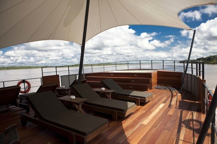 07-Deck-Area-Aqua-Expeditions-Five-Star-Hotel-Aria-Amazon-Floating-Architecture-www-designstack-co