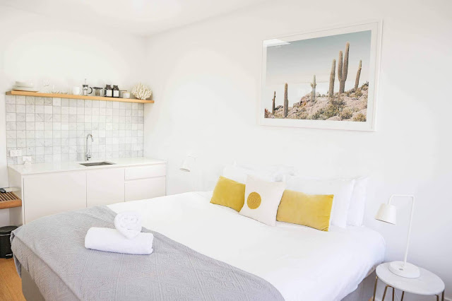 How To Decorate Your Bedroom With Simple Modern Decorating Ideas