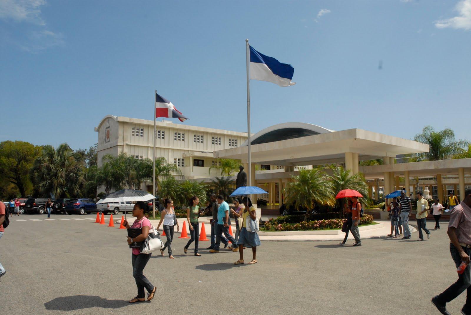 Estudiante de la uasd vianelis de los santos dominicana - 1 part 3