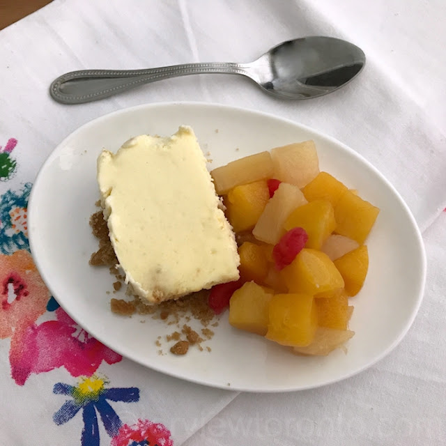cheesecake with dole fruit