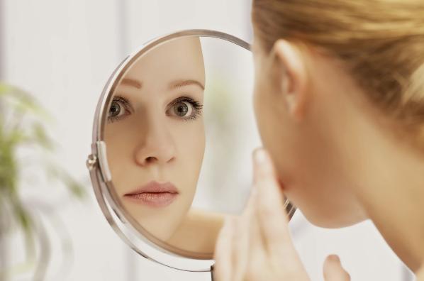Apa Faktor Penyebab Jerawat Di Punggung Dan Di Muka Dan Dahi