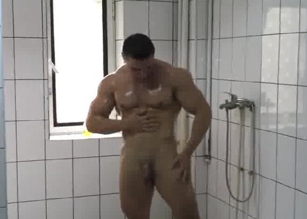 Nude girls in shower free videos