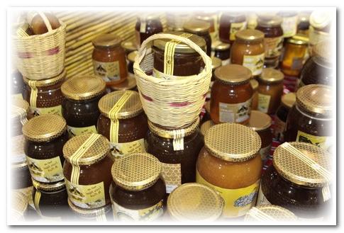 """""""كورونا"""" ينعش معاملات محلات بيع مشتقات العسل بالدار البيضاء"""