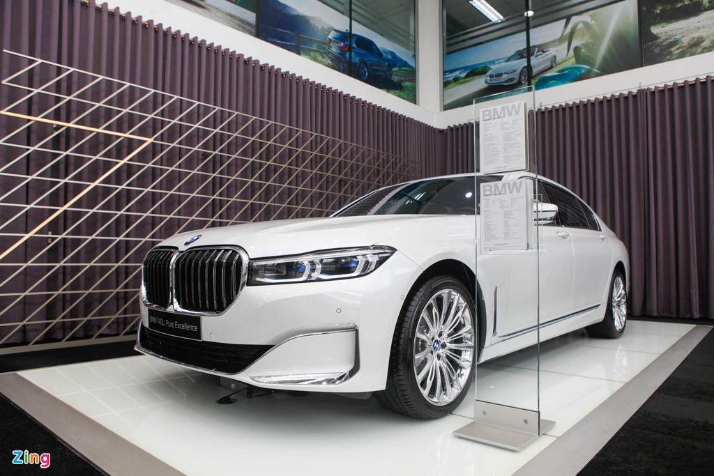 Chi tiết BMW 740Li Pure Excellence giá 6,3 tỷ tại VN