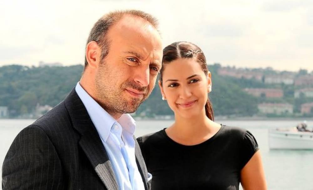 turska-glumica-Berguzar_Korel-šeherzada-1001-noć