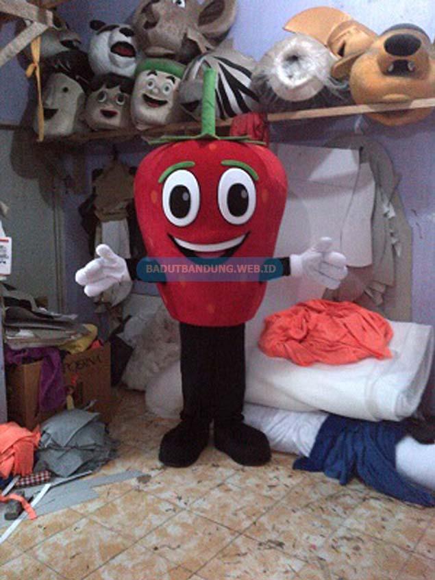 Gambar badut maskot strawberry