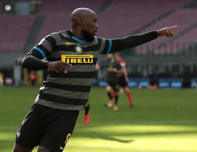 L'Inter travolge il Genoa e va in fuga