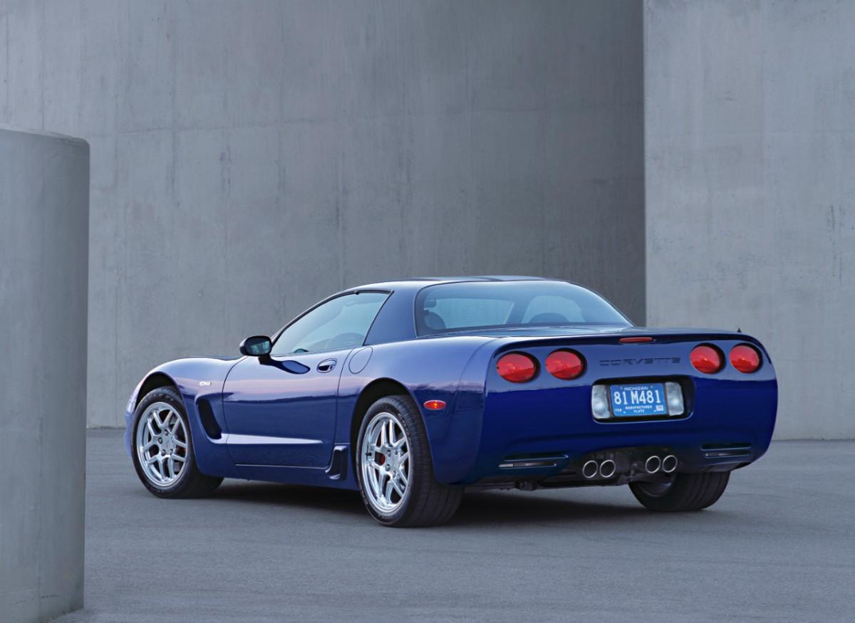 vette vues magazine blog corvette z06 a quick history of a fast car. Black Bedroom Furniture Sets. Home Design Ideas