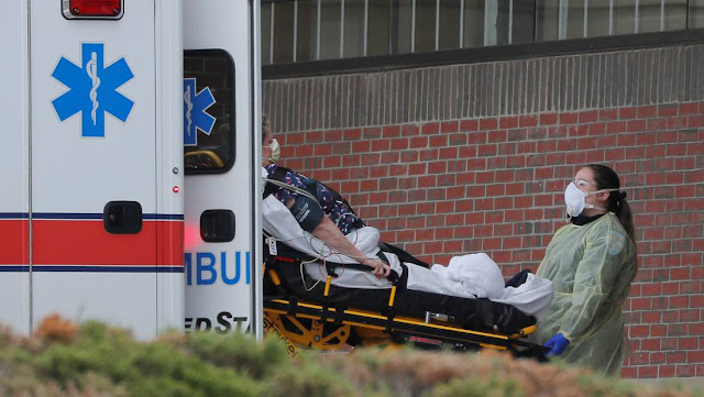 Nuevo récord diario: EE.UU. registra 1.973 muertes por covid-19 durante las últimas 24 horas, mientras que el total se acerca a 15.000