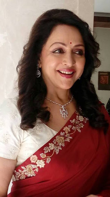 Hema Malini Wiki, Height, Weight, Age, Husband, Family and Biography