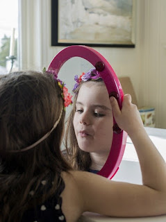 Everything you need to know about purchasing a mirror for kids