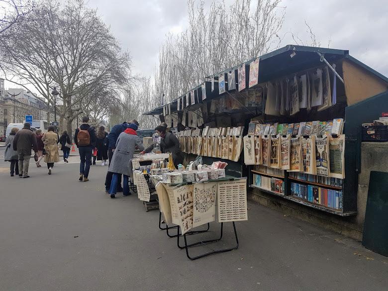 塞納河岸的書籍小攤販