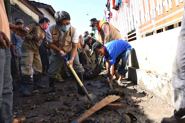 Tahun Baru, Presiden dan Kader PKS Pilih Bantu Korban Banjir Bima