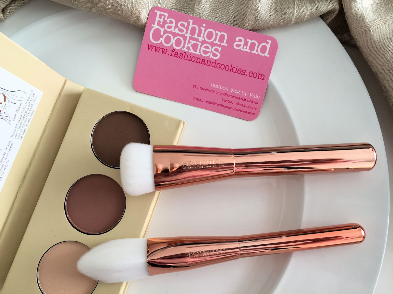 Best cheap contour brushes, Makeup Revolution Ultra Metals Revolution makeup brushes review on Fashion and Cookies beauty blog, beauty blogger