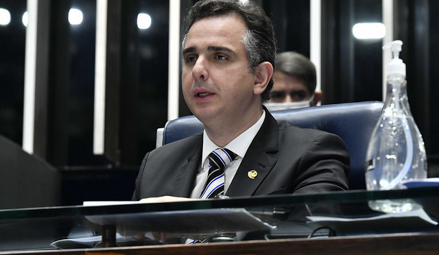 Pacheco lê requerimento da CPI da Pandemia e oficializa criação da comissão no Senado