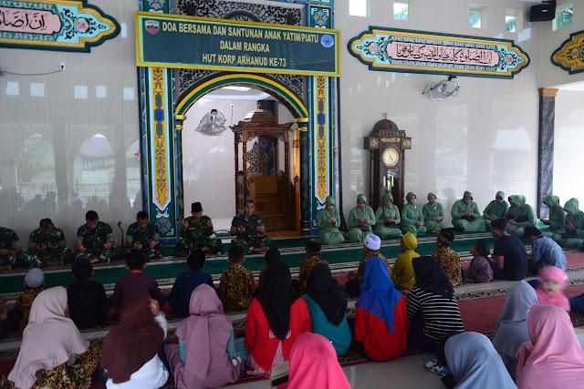 JUmat Berkah, Batalyon Arhanud 11/WBY Berikan Santunan Kepada Anak Yatim Piatu