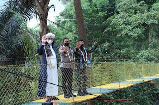 Kapolda Jabar Resmikan Jembatan Gantung dan Tugu Sinergitas TNI Polri