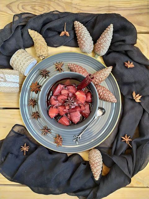 Membrillos al vino tinto. Canela, anís estrellado, postre de otoño, sencillo, fácil, receta, Cuca
