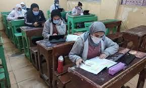التعليم: لن يتم وضع أسئلة من مقررات الترم الأول بامتحانات الشهادة الإعدادية