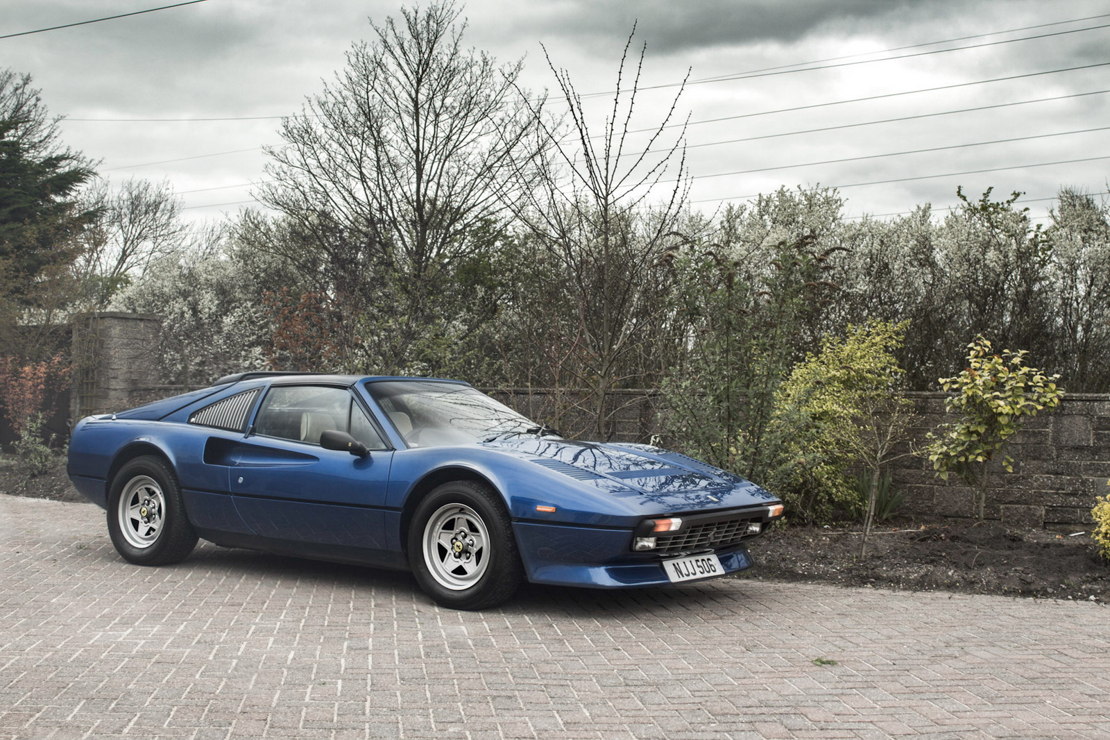 classic ferrari 308 gts qv with a v12 swap heading to auction carscoops. Black Bedroom Furniture Sets. Home Design Ideas