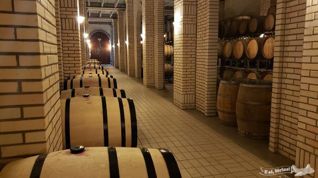 As barricas de vinho da Casa Valduga (RS), em Bento Gonçalves.