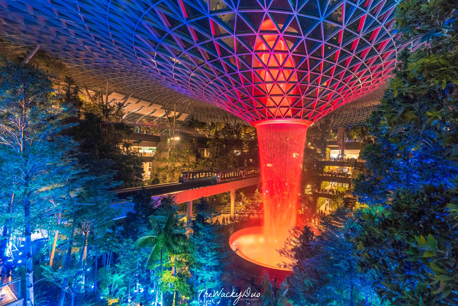Rain Vortex Light Show Jewel Changi Airport 5 Important