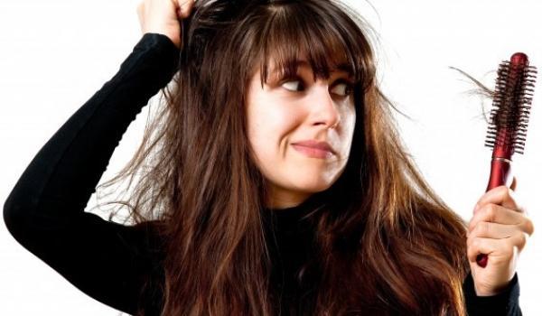 Những nguyên nhân gây rụng tóc