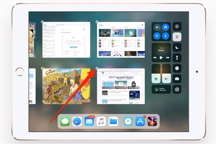 menutup paksa aplikasi iPad via layar multitasking