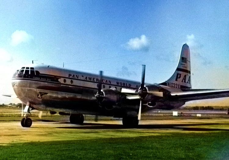 37 yıl sonra inen uçak indiği gibi pisten havalanarak gözden kayboldu ve bir daha gören olmadı.
