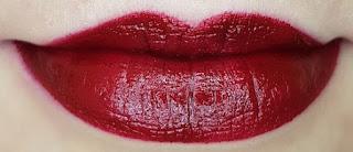 Avon mark. Epic Lip Lipstick in Heartbreaker