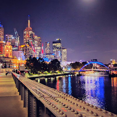 2 days in Melbourne: Melbourne skyline at night across the Yarra River
