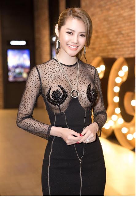Á Hâu Linh Chi khoe ngực khủng 7