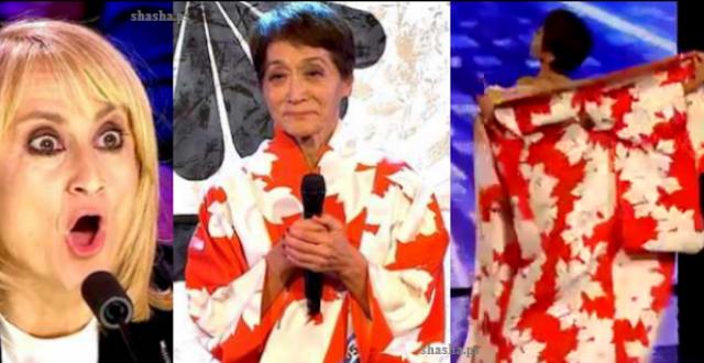 مدهش.. عجوز سبعينية تصدم المشاهدين بعد أن نزعت رداءها! خلعت الرداء فأدهشت جميع الحضور!